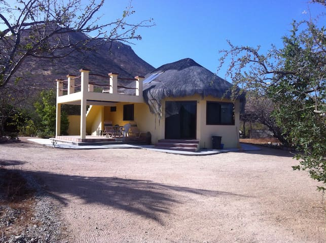 Yellow house - Cabo Pulmo - Huis