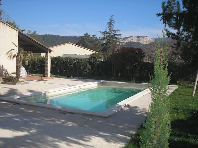 Agréable studio en Provence