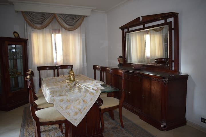 Cosy apartment near the airport + free pick up
