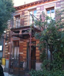 Preciosa Casa finales siglo XIX-H1