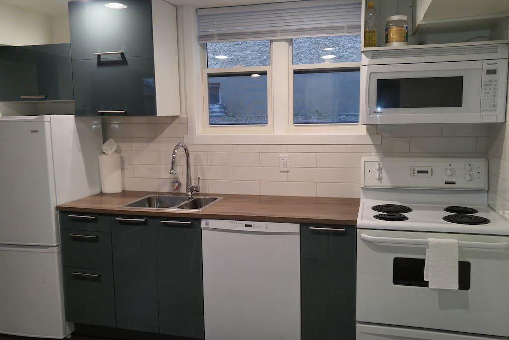 Modern, Clean Kitchen