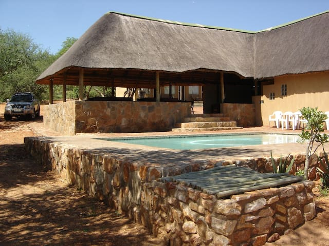 Magorgor Safari Lodge - Musina - Chalet