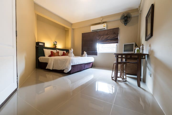Chiangmai guesthouse CityCenter/Walking Street 208