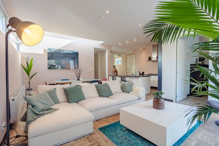 Apartment close to the beach, 20 km from Amsterdam