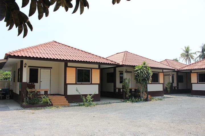 บ้านพิงค์พรรณ (Ping-Phan House) #02