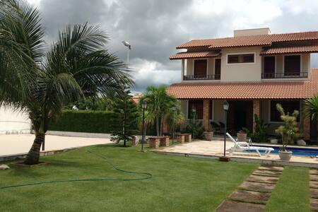 Casa Duplex na Praia da Caponga / Águas Belas