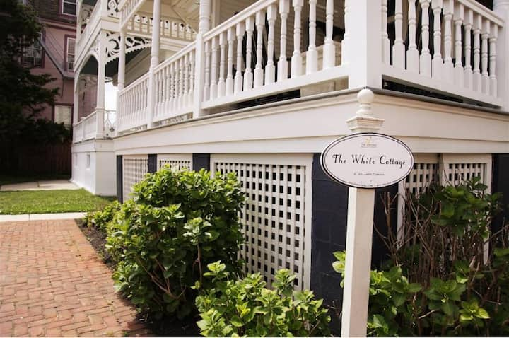 The White Cottage - Cape Resorts