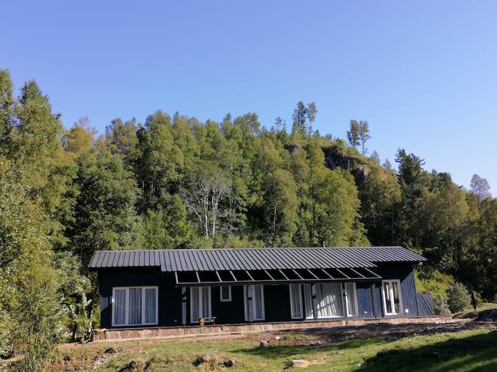 Lago Calafquen, Condominio Rayenkura. Casa Nueva.