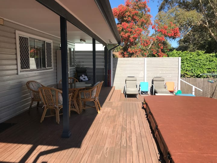 Lovely house close to Wollongong Uni and beach.