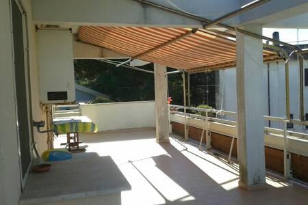Attico con terrazzo favoloso - Nettuno - Apartament