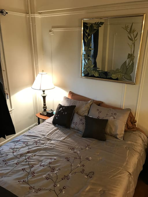 BEDROOM: Let your eyes begin to close on our brand new queen bed, memory foam mattress, numerous soft pillows, and plush linens. Or just stare longingly into the ornate decorative mirror.