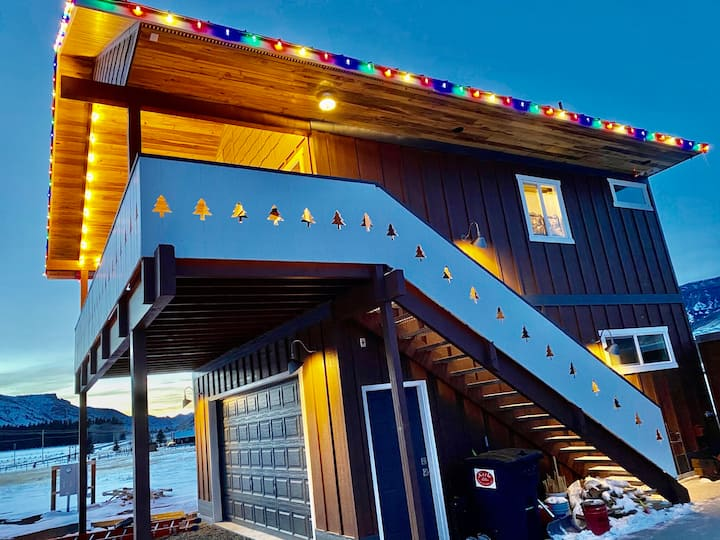 Chalet at Wapiti: Cody-to-Wapiti-to-Yellowstone
