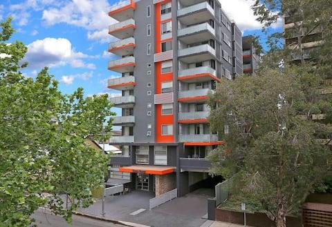 Parramatta Central - Bright & Clean Apartment