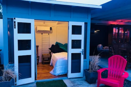 Glamping Curaçao: Single Bed & Pool. Walk to Beach