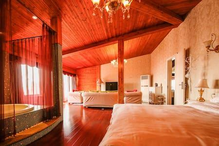 Rhine Dream -梦莱茵帆船游艇俱乐部 -水上木屋8号 - Suzhou - Sommerhus/hytte