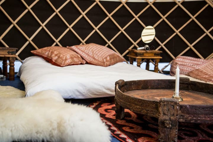 Boutique Yurt, ideal for couples, Hay-on-Wye