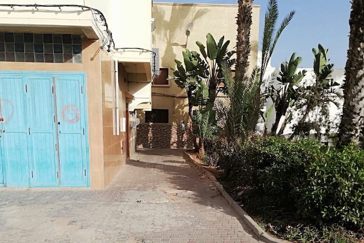Walking distance beach, port,bus, appart 2 pers