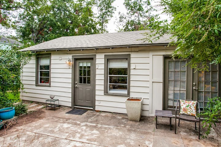 Guesthouse Natural Paradise in the Heart of Dallas