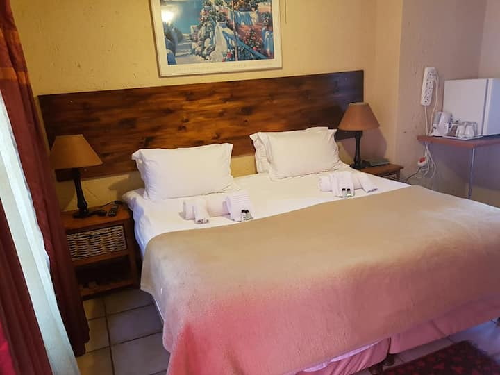 1 40 on Ilkey B&B King/Twin bed Room en-suite Bath