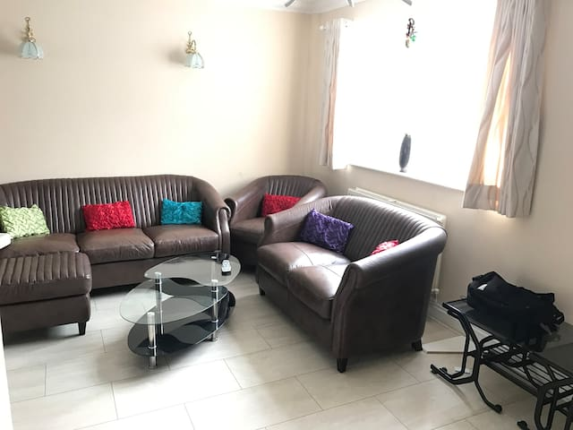 Large double in a house with all amenities nearby