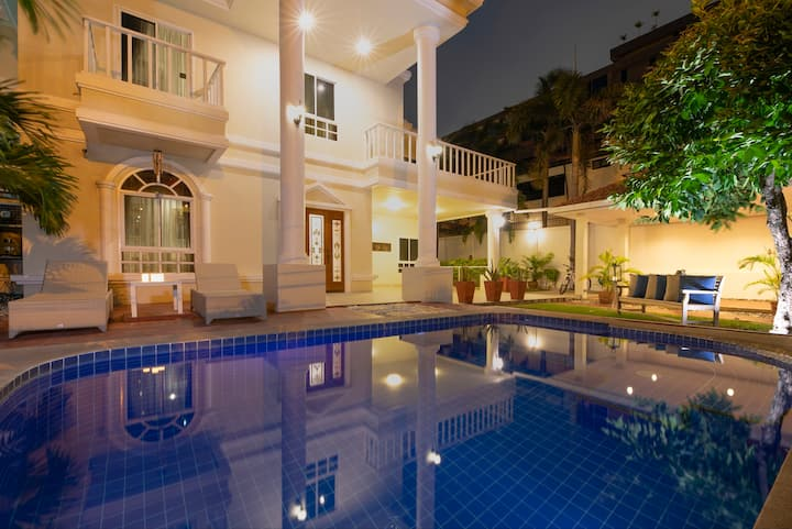 3-bdr villa, swim. pool and jacuzzi #5