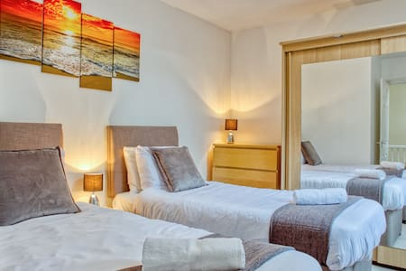 OPP Serviced Apartments - ExeterCity w/parking