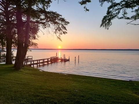 Waterfront River Escape in Edenton, NC