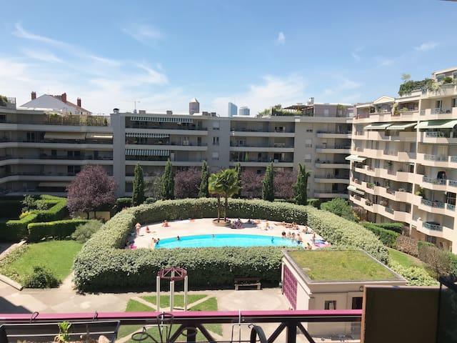 Appartement en résidence piscine
