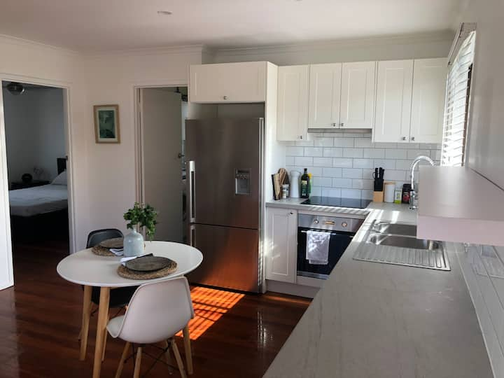 One bedroom newly renovated unit