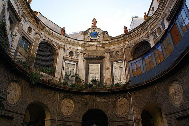 Cortile Palazzo Spinelli
