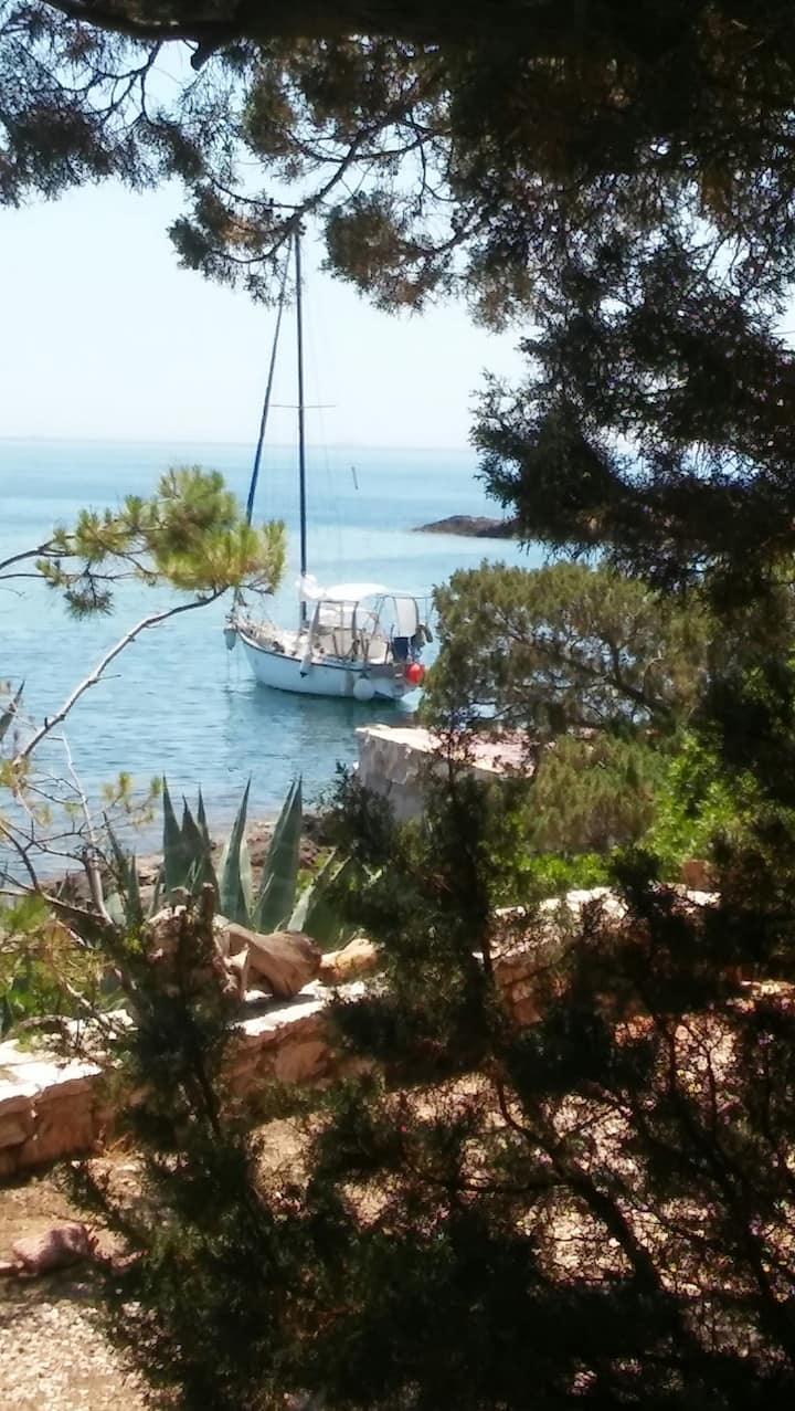 Sailing boat rented as floating flat - Cap Sounion