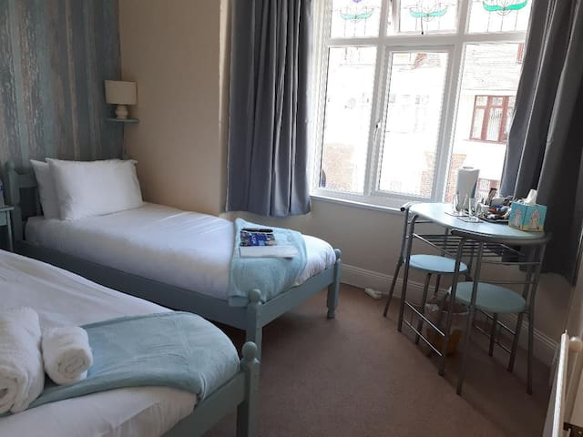 Twin Room at Trentham Guest House