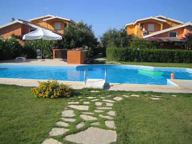 Comfortable villa with swimmingpool