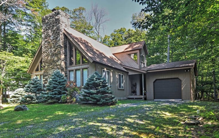 'The Chalet' - Serene 3BR Gouldsboro House - Clifton Township - Casa