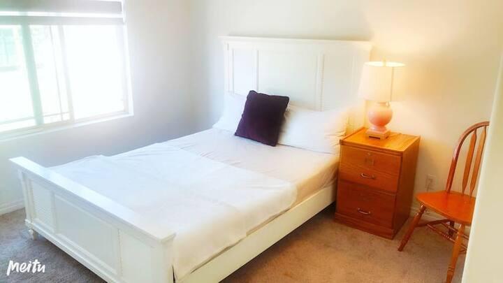 可2.Downstairs Room/Welcome to long rent/靠近商圈