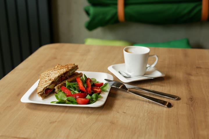 Możecie również zamówic sniadanie z dostawa do apartamentu:-)