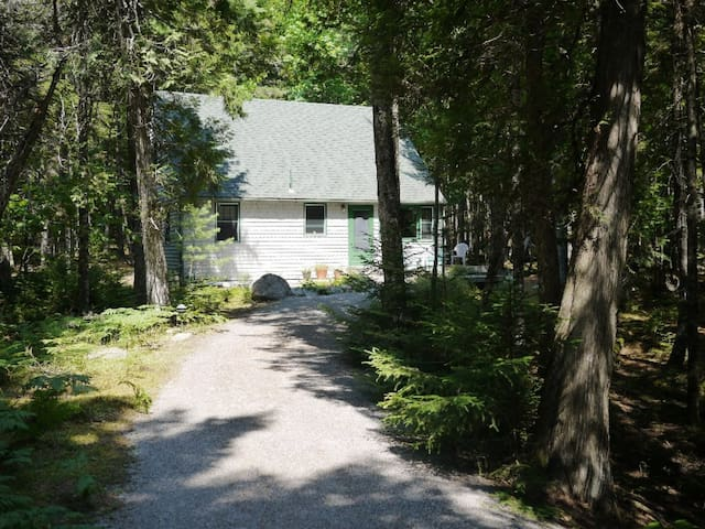 Bayberry Cottage - Fairy Tale Cottage Near Acadia