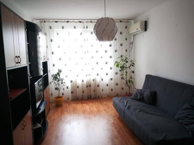 Cosy family flat near subway