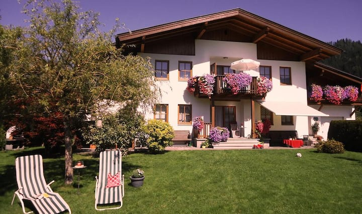 Modernes Appartement mit  Charme in ruhiger Lage.