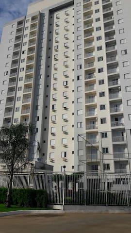 Apartamento próximo mercadão - Ribeirão Preto - Lägenhet