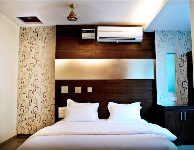 Boutiquestay+FreeWifi for 3 in the  heart of Delhi