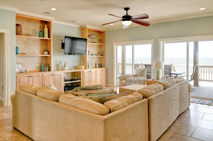 Sonny Side - Gulf Front, Pet Friendly and Modern! Perfect location!