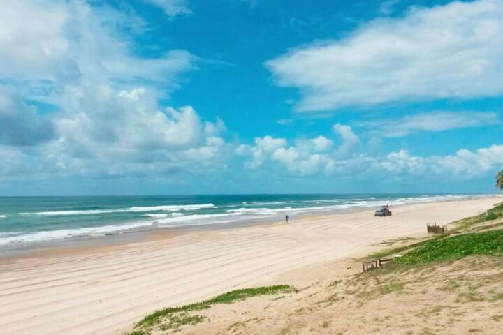 Praia - 100m de distância