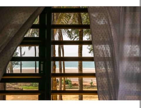 Sea Scallops Beach Front Studio Room