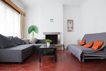 Spacious house nearby City Center - Uccle
