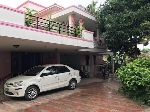 Greeshma -Cosy independant house A/C