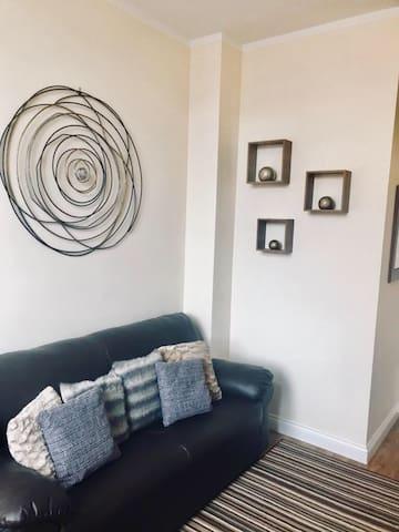 Safe Move (Flat 6) - 2 Bed City Centre Apartment