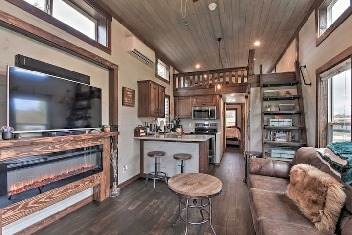 NEW! Modern Morganton Tiny Home w/Hot Tub Access!