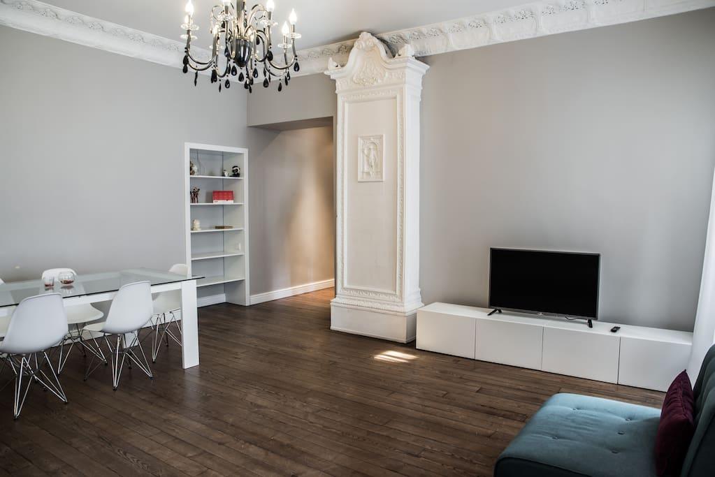 Spacious apartment in the heart of the city appartamenti for 4500 piedi quadrati a casa