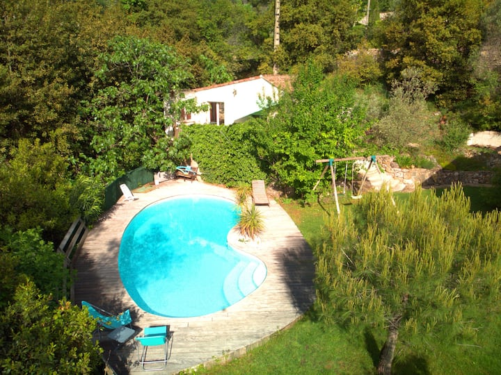 Micro-maison avec piscine